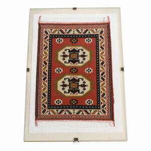 details sur petit tapis tisse soie sous cadre sous verre encadre