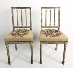 details sur paire de chaises ancienne en bois peint de style louis xvi avec belle tapisserie