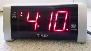 Timex Am Fm Radio Alarm Buzzer Clock