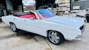 Classic 1968 Ford Galaxie V8 4 door Convertible suit project or restoration.