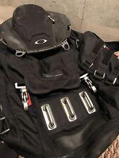 oakley bathroom sink 23l men s backpack black