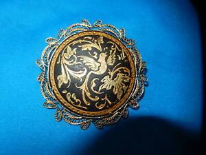 details sur ancienne broche dore tolede filigrane oiseau fond noir bijoux fantaisie vintage