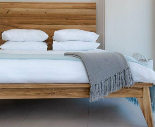 solid wood beds and bedroom furniture