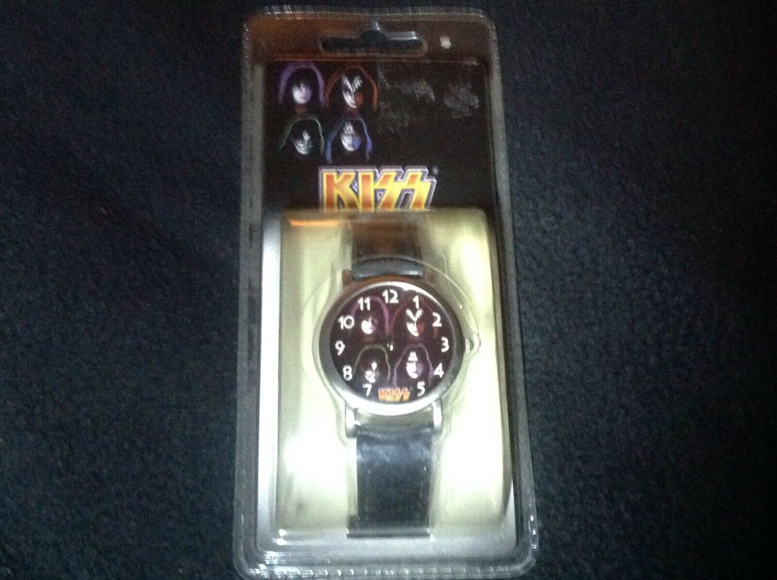 KISS Band Gene Simmons Ace Frehley Peter Paul Stanley Analog Watch Sealed 2000