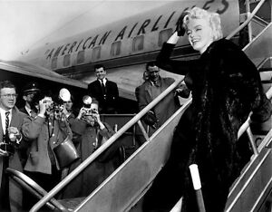Marilyn Monroe Boards Airplane, New York 1956 Art Print Poster 31.5x23.5