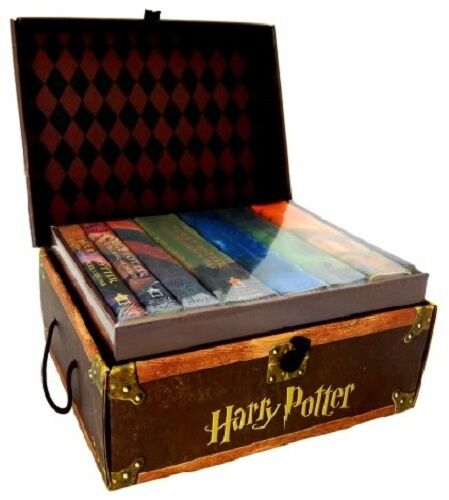 Harry-Potter-Hardcover-Limited-Edition-Boxed-Set-All-7-Books-Lockable-Chest-NEW