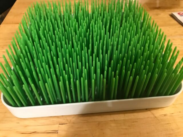 boon lawn grass countertop bottle drying rack green with white base b377