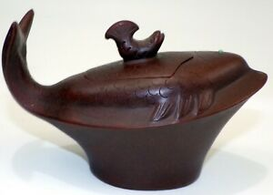 CHINESE Yixing ZISHA HAND MADE CLAY FISH SMALL TEAPOT / WINE JUG SIGNED