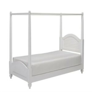 Home Styles Bermuda Wood Twin Canopy Bed in White   eBay Stock photo