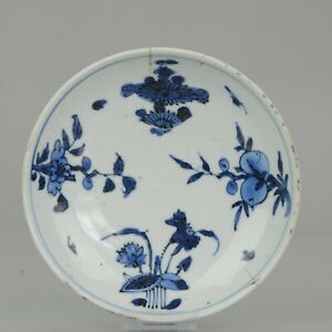 Antique Chinese Porcelain Ca 1600-1640 Dish with flowers of the Seasons