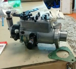 FORD TRACTOR CAV INJECTION PUMP 3233F390,4000,4500,4600