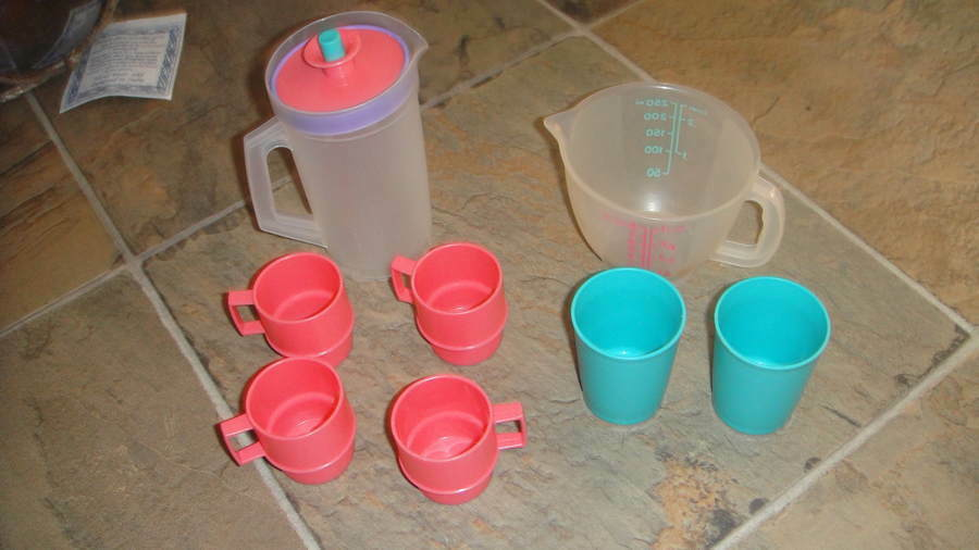 TUPPERWARE TUPPERTOYS KIDS PITCHER AND CUPS EBay