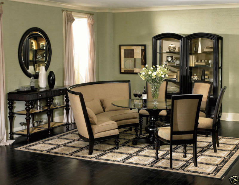 VENTURA-TRADITIONAL BANQUETTE STYLE ROUND DINING ROOM