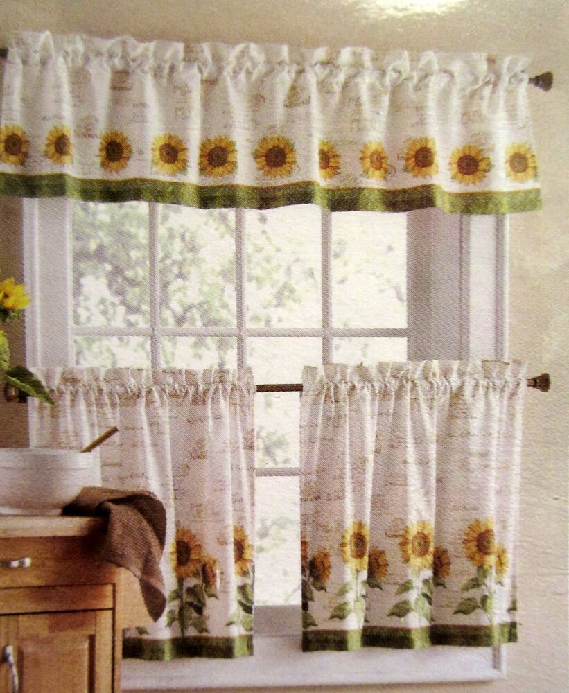 24 Tiers And Valance Set