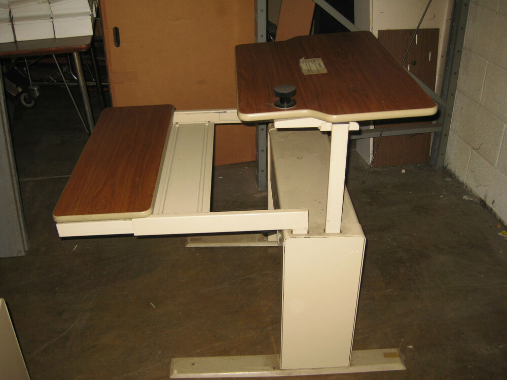 Sale Out Pull Tables