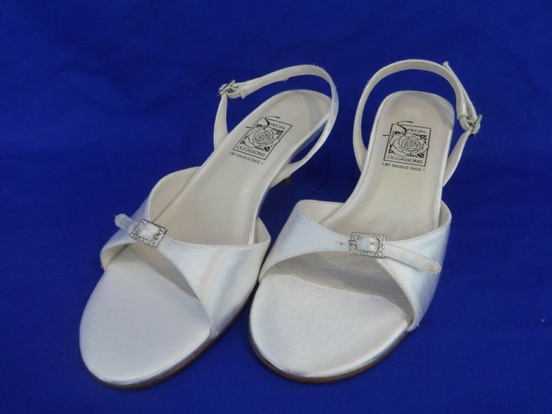 NEW Special Occasions by Saugus Shoe ELLE 2230 White Satin Slingback Size: 5.5M | eBay