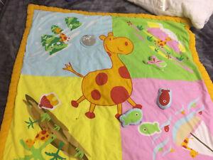 tapis sol bebe dans jouets d eveil