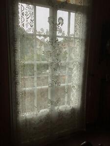 rideaux anciens dentelle dans rideaux