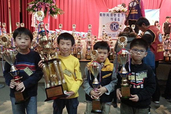 同濟盃全國兒童圍棋比賽 建功高中舉行 | 大紀元