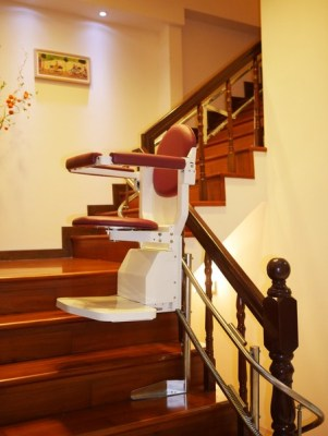 騰城樓梯升降椅。(圖:騰城科技提供)