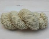 Jacob - British Wool - West Yorkshire Spinners - undyed yarn - Colour: Ecru #001- 100g Aran weight