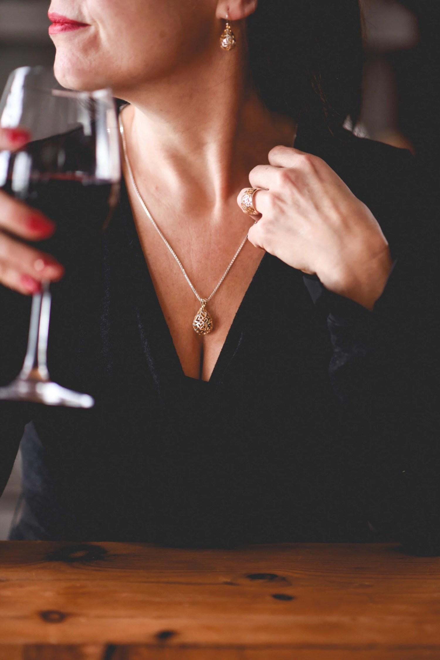 Pendentif coeurs ciselés, bijou symbolique, mariage, fiançaille, amoureux, st-valentin, collier argent coeurs, amour, dames d'honneur