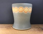 Utensil Holder with dots