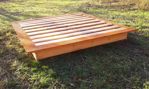 cadre de lit asiatique lit japonais cadre de lit en bois lit sur mesure chambre a coucher lit de ferme coucher de soleil japonais