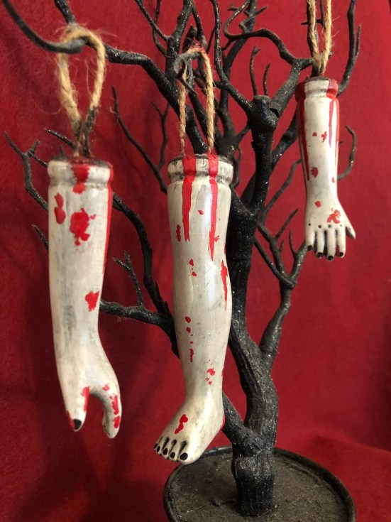 10 Easy Halloween Decorations Every College Student Can Afford