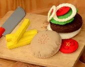 felt hamburger, felt food, food toy, kitchen toys ,play food, felt burger, felt cheeseburger, Waldorf toy, Montessori toy, felt toy, foodie