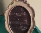 Vintage birdie frame