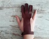 bowman leather glove, three-finger protection glove for archery, gift idea for beginners and experts, traditional archery equipment, unisex