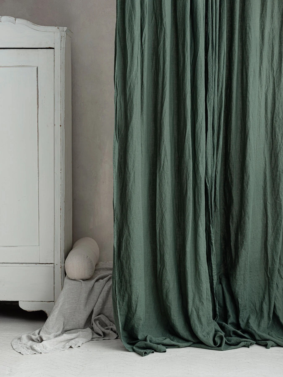 rideaux de lin vert fonce rideau de lin en vert baisse de rideau vert de foret lins dans la verdure