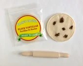 PERSONALIZED Felt Food Tortilla And Rolling Pin Set Tortillas - Flour Tortilla Toy Play Food - Pretend Tortillas De Harina