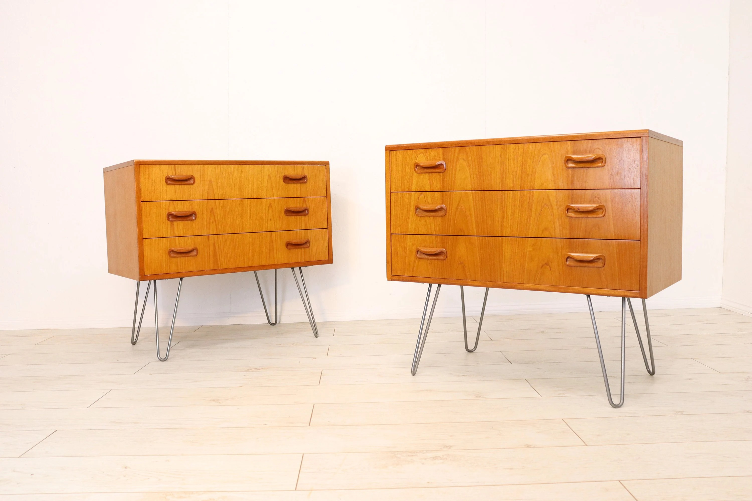 Mid Century Teak Matching Set Of 2 Retro G Plan Teak Chest Of Drawers Bedside Table Units On 12 Hairpin Legs Vintage Industrial Sideboard
