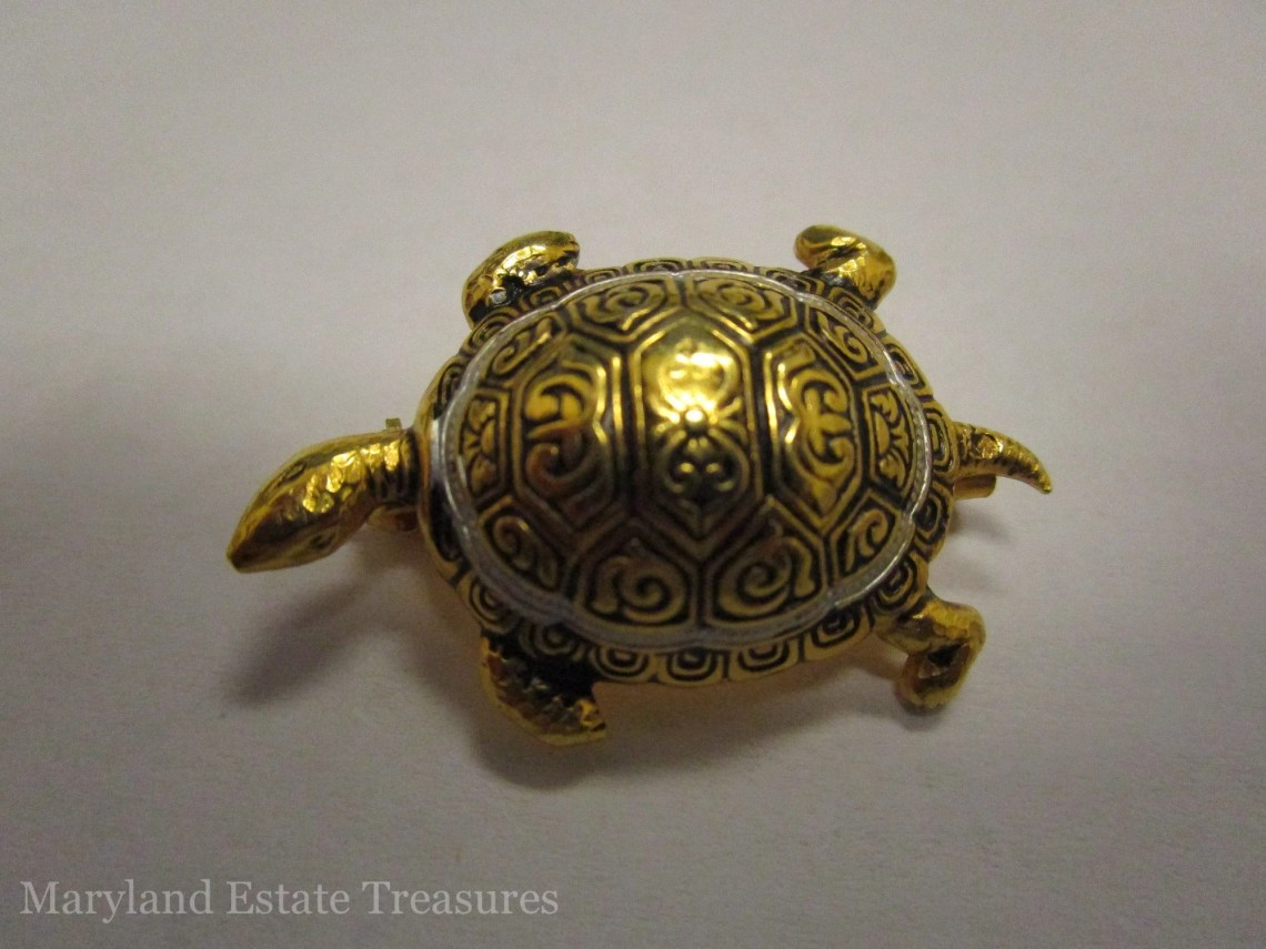 Antique Gold Turtle Brooch