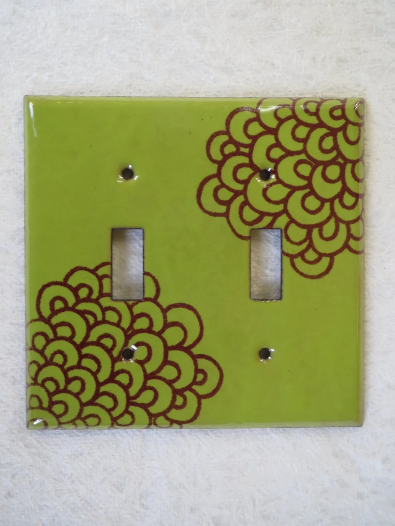 Enamel switch plate in ch...