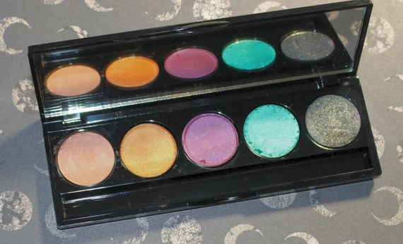 The Sanderson Sisters Eyeshadow Palette