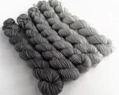 Hand dyed mini skeins. 5 x 20g grey gradient yarn sets. Semi-solid minis, silver grey shift gradient yarn, sparkle sock, sock/4ply/fingering