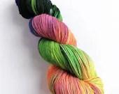 Hand dyed singles superwash merino 4ply wool yarn, variegated Cat People yarn, horror film inspired yarn for knitting, crochet, weaving