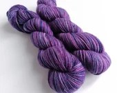 Hand dyed worsted weight singles merino wool yarn. Purples non-superwash merino wool. Indie dyed purple worsted weight yarn, 100% wool.