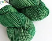 Hand dyed dk yarn. Semi-solid green double knit wool yarn, Superwash merino dk, tonal green double knit yarn, sw merino dk knitting wool.