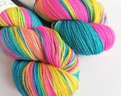 Hand dyed sock yarn, 75/25% superwash merino/nylon sock fingering 4ply weight yarn, variegated blue yellow pink, Lady Glitter Sparkles yarn