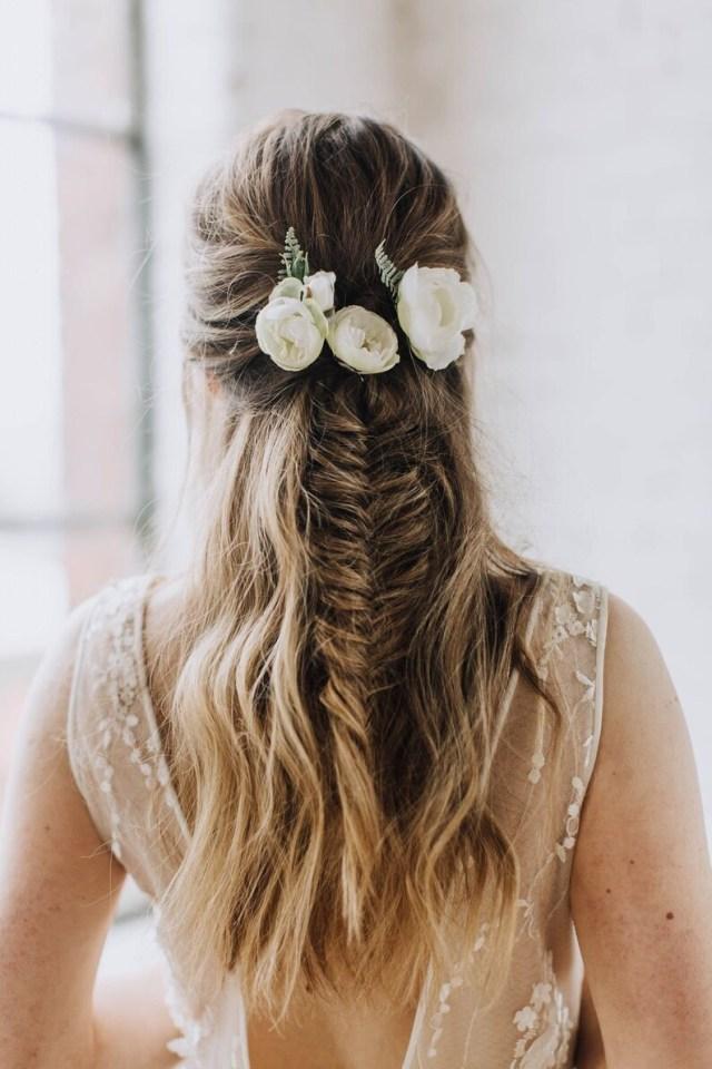 bridal hair pin, hair vine, ranunculus pin, floral hair pin, flower hair pin set, hair pin set, wedding hair pin, ivory hair pin