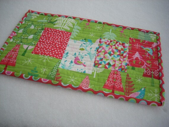 festive forest centerpiece/placemat - FREE SHIPPING