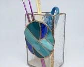 Knitting needle vase, stained glass knit, knitting needle holder, gift for knitter, blue glass, Eagle green glass, ombre yarn, fiber fan