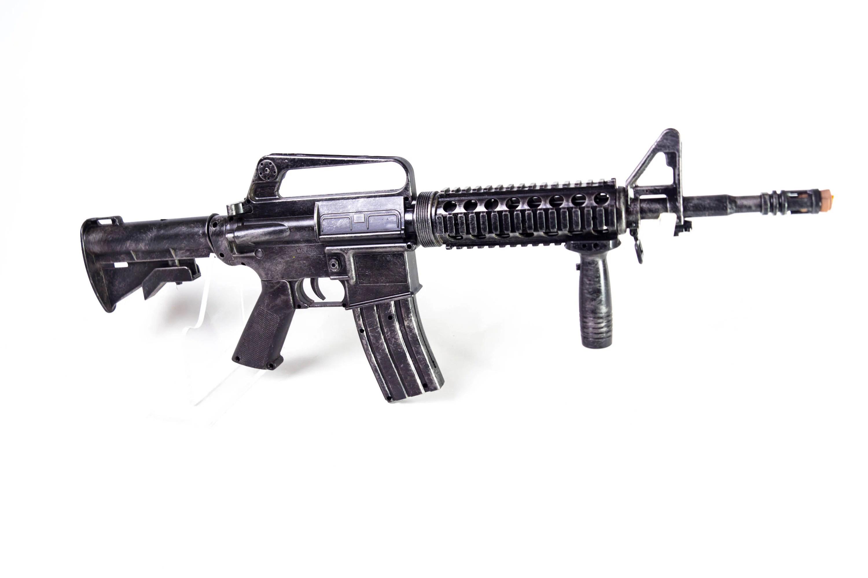 M4 Prop Replica Modern Warfare Winter Sol R Punisher