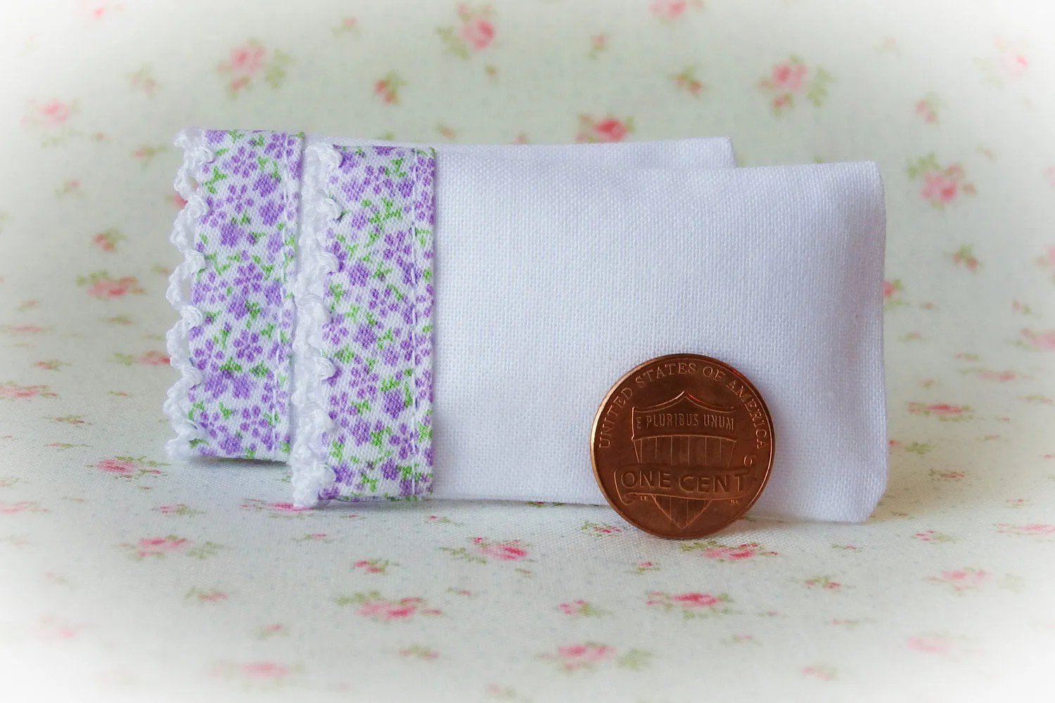 Set Of 2 White Bed Pillows With Purple Floral Cotton And