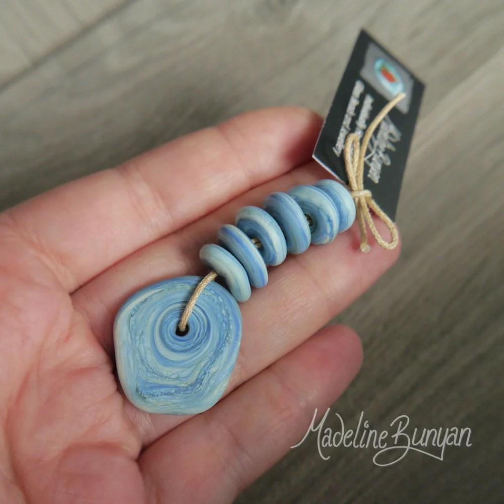 Mini Glass Pebbles & Disc...