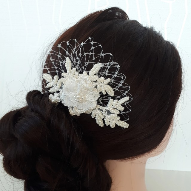 bridal lace hair comb ivory floral headpiece wedding hair piece beaded lace